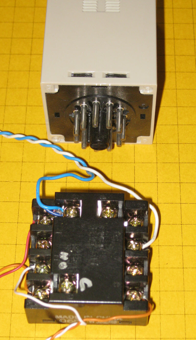 Animation Timer Circuit 555 Relay Time Delay Here We See An H3ca That Is In A Box Has Its Connection Terminals Brought Out To The Top Shows Mode D Which Operates Almost Same